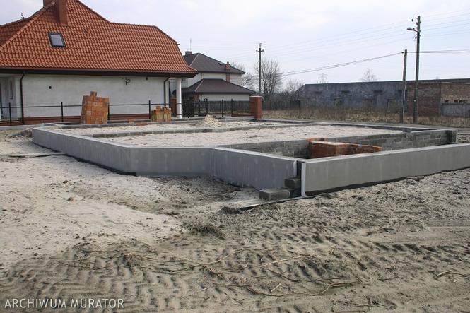 Budowa ław fundamentowych