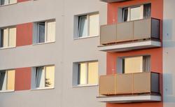Mieszkanie w bloku z wielkiej płyty - czy warto je kupować?