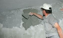 Rodzaje tynków wewnętrznych. Tynki gipsowe, tynki cementowo-wapienne, tynki gliniane
