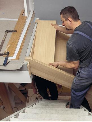 Montaż schodów drewnianych na betonie krok po kroku