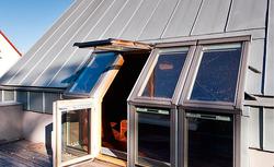 Luksusowe okna połaciowe. Sprawdź parametry i istotne cechy okien