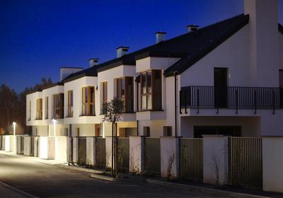 Nowatorskie okucia okienne zapewniające komfortowe wietrzenie. Jak spełnić 6 najważniejszych potrzeb użytkowania okna?
