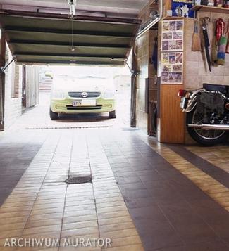 Wpust podłogowy w garażu